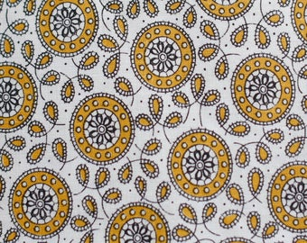 Vintage 50's Belgium cotton - white w mustard yellow sun or circle pattern with black paisley-esque pattern
