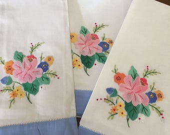 3 Vintage Appliqued & Embroidered Floral Linen Hand Towels with Blue Band M795