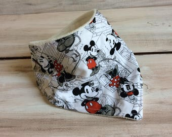 Mickey and minnie bandana bib, disney organic bandana bib, black and white baby bib, organic baby bib, baby shower gift, baby boy bib