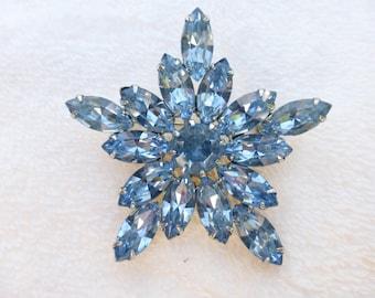 Weiss Brooch Blue marquis rhinestones star shape AH02