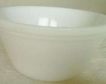 Vintage Medium Size Milk Glass Federal Mixing or Serving Bowl