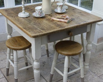 Matching Set of Four Pine Dining Stools in Vanille and Mousse Grey
