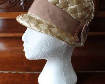 60s Woven Raffia Hat with Hatband Bow, Natural Beige Color 20.5 Inch