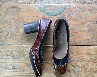 Vintage Wingtip Heels | Brown & Black Leather | Gold Chain Accents | US 7.5 | Vintage Ferragamo