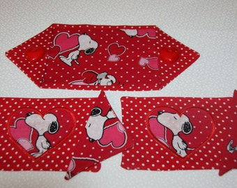 Valentine Table Runner, Placemats, Napkins, for any doll, Snoopy Theme