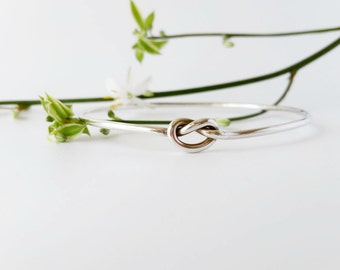 Bangles. Sterling Silver Bracelet  - Bangle Silver Knot. Bridesmaids' Gifts. Wedding Gifts, mementos