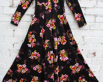 Vintage black floral hippy flower 70s boho gypsy maxi dress S