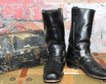 Vintage Unbranded Men's Black Leather Pull On Logger Motorcycle Engineer Boots Size 8D--Made in The USA