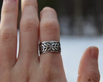 Sterling Silver Vine Ring // Size7.25-7.5