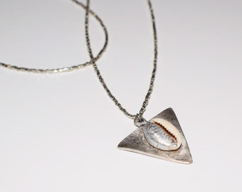Cleopatra Triangle silver necklace and seashell cauri