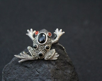 Sterling Silver and Onyx Marcasite Frog Brooch Pin