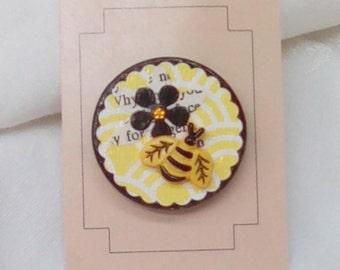 Changeable Badge Cover - Yellow Geo Bee