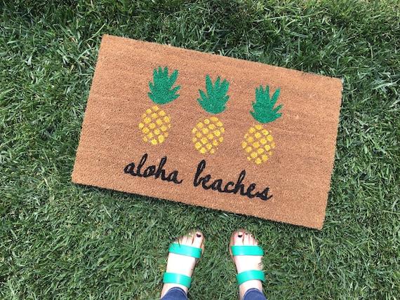 Aloha Beaches Pineapple Doormat / Pineapple Decor / Funny Welcome Mat / Custom, Personalized Doormat / Outdoor Doormat / Cute Doormat