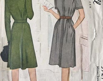 Vintage sewing pattern, McCall, 5727, size 14 (bust 32)
