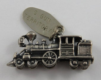 Old Fashioned Locomotive With 6 Gun Territory Tag Sterling Silver Vintage Charm For Bracelet