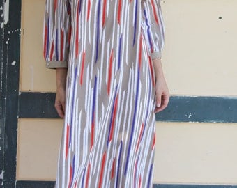 Vintage beige/grey beautiful print crepe georgette dress,with embroidered derails.over size