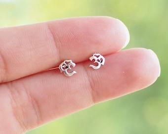 Pair of Tiny Ohm Om Stud Earrings, Yoga Earrings, 925 Sterling Silver, Yoga spiritual gift, buddah jewelry, hindu - SA108P