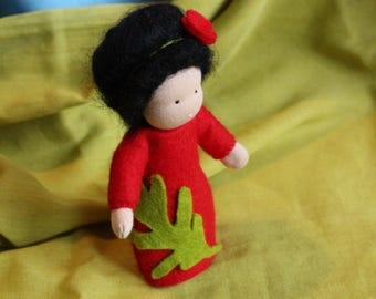 Poppy //Root Chidren //Flower Children //Mother Earth //Nature Table //Waldorf Doll //Waldorf Toy