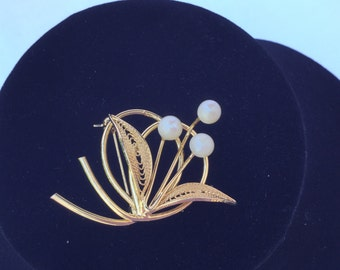 Vintage Faux Pearl and Filigree Goldtone Brooch 1960's  #20070