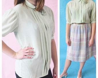 Vintage Sheer Pale Green Fitted Boxy Blouse, 1970s Retro Top, 1940s Style Vintage Top, 70s Fashion, Minimalist, Puff Sleeve