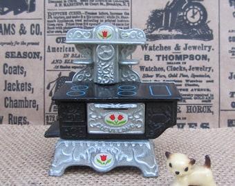 "Vintage Metal Stove Dollhouse Furniture Black Toy Mattel ""The Littles"" 80s Doll Oven Cast Iron Victorian Range #1794 Novelty Art Decor Gift"