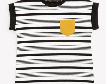 PÉDALO - minimalist tee-shirt with mustard yellow pocket for kids - white/black striped