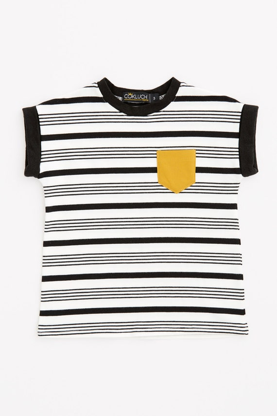 PÉDALO - minimalist tee-shirt with mustard yellow pocket for kids - white/black striped