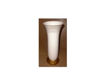 VILLROY & BOCH Luxembourg Art Deco ceramic vase, stylish shape and design, Luxembourg circa 1930