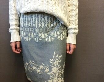 Jersey Skirt, Knee length skirt, Fitted skirt, size XS