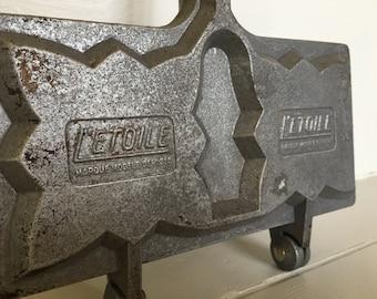"""French Vintage """"L'Etoile"""" Waffle Iron"""