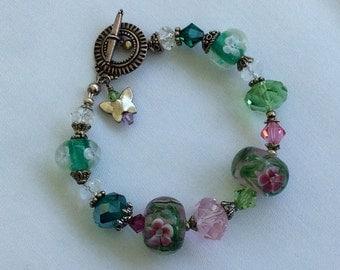 Elegant lamp work beaded bracelet