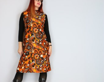 1960s Dress - Floral Paisley Shift Dress - A-line - Sleeveless - Orange Yellow Brown - High Neck - Groovy Boho Vintage - Size Medium
