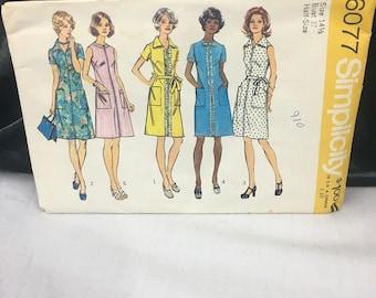 1973 Dress Pattern, Simplicity 6077, Vintage Dress Pattern, 1970's Style, 5 Styles, Front Zipper Dress, Size 14 1/2 Bust 37, Partially Cut