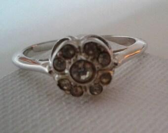 Vintage sparkling ring -  simple but elegant
