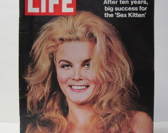 Life Magazine 1971 August 8-Ann Margret Cover-Suzuki Motorcycle Ad-Airplane F-14 Cost-Elephants-General Patton Bill Mauldin Confrontation
