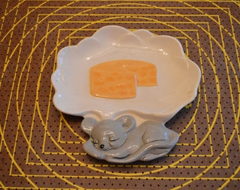 Gray Sleeping Mouse Cheese Plate