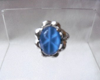 Sarah Coventry sapphire blue star milk glass cabochon silver tone 1970s dress ring