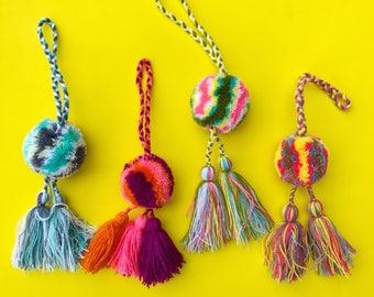 Mexican pom pom, Pom pom bag charm, Pom pom tassel, Mexican tassel, Boho charm, Mexican bag charm, Pom pom charm, Beach bag tassel