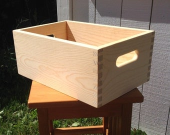 Wooden Pine Dovetail Crate 17 1/2 x 11 1/2 x 7 1/4