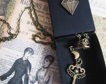 Retro antique key Charm necklace with diamond Moon-handmade box with antique bronze