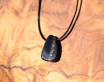 the Portugal's fossilized dinosaur bone pendant