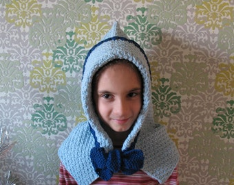 Hood for girls. Fashion a hood for warmth. Blue hood