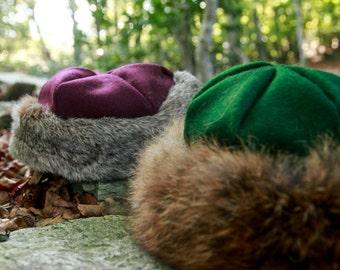 Chapeau en laine prune bordé de fourrure de lapin
