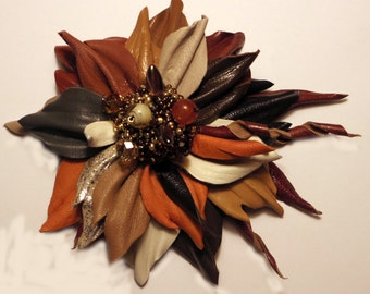 Leather corsage, leather flower pin, leather jewelry, brooch leather, floral brooch, floral jewelry, brown  brooch, leather flower pin