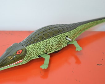 Vintage Retro Style Metal Wind Up Green Crocodile/ Alligator Toy. 1950s
