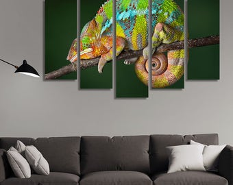 LARGE XL Ambilobe Panther Chameleon Canvas Print Chameleon Sleeping on a Branch Canvas Wall Art Print Home Decoration - Framed and Stretched