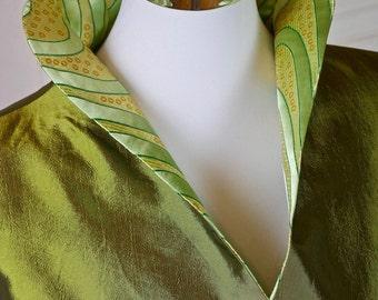 Vintage Asian Silk Jacket Women's, Size 8 (US), Size 12 (UK), Green and Gold Silk Blazer, Oriental Silk Jacket, Chinese Silk Blazer