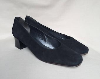 Vintage shoes  / low heels / block heel / square toe / suede shoes / leather shoes woman / black suede / black leather shoes