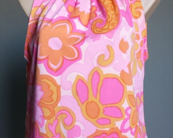 Groovy vibrant vintage retro 1960s halter top with pink and orange paisley floral pattern