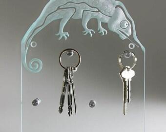 """""""Chameleon"""" modern glass key holder key keychain"""
